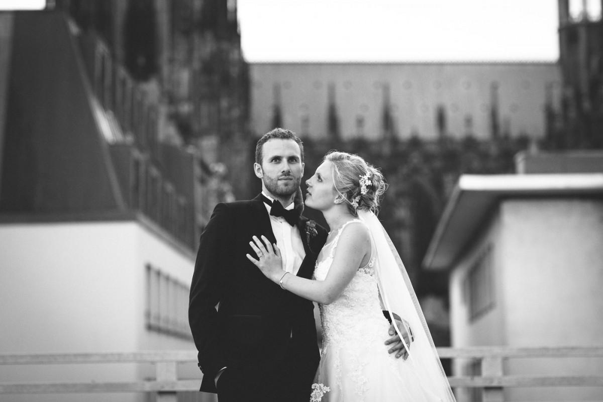 Hochzeit in der St. Pantaleonskirche und im Hotel Eden Frühlounge am Dom Köln Hochzeitsfotograf Köln